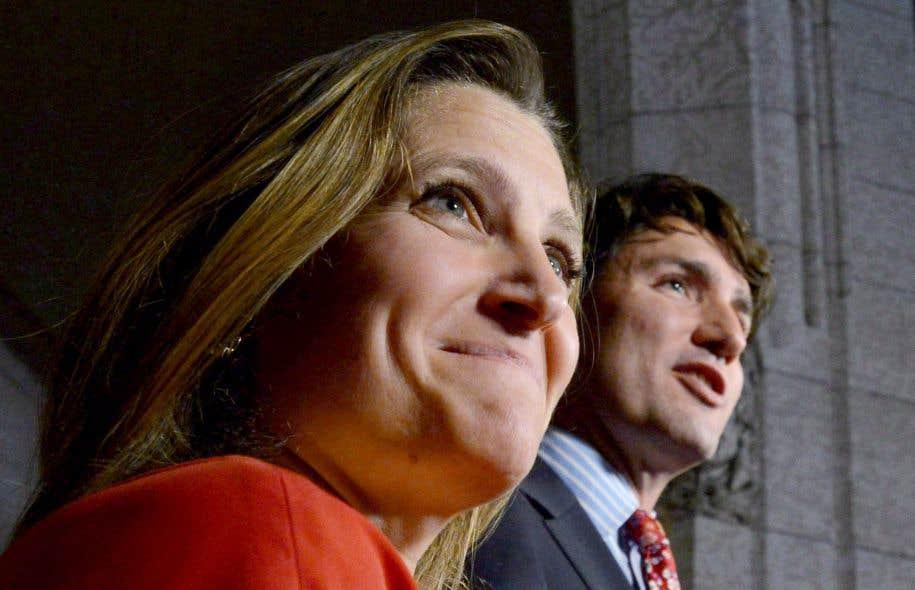Justin Trudeau a pour sa part promis « un débat public approfondi et ouvert, [de] sorte que les Canadiennes et les Canadiens soient consultés » sur l'entente de principe d'un Partenariat transpacifique (PTP), un engagement que devra concrétiser Chrystia Freeland, la nouvelle ministre du Commerce international.