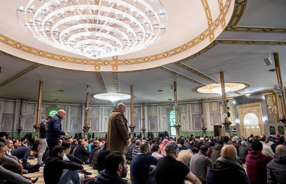La Grande Mosquée du cinquantenaire, construite en plein cœur de Bruxelles, signe de l'influence massive de l'Arabie saoudite, qui l'a financée à la fin des années 1960, et de son islam radical et conservateur.