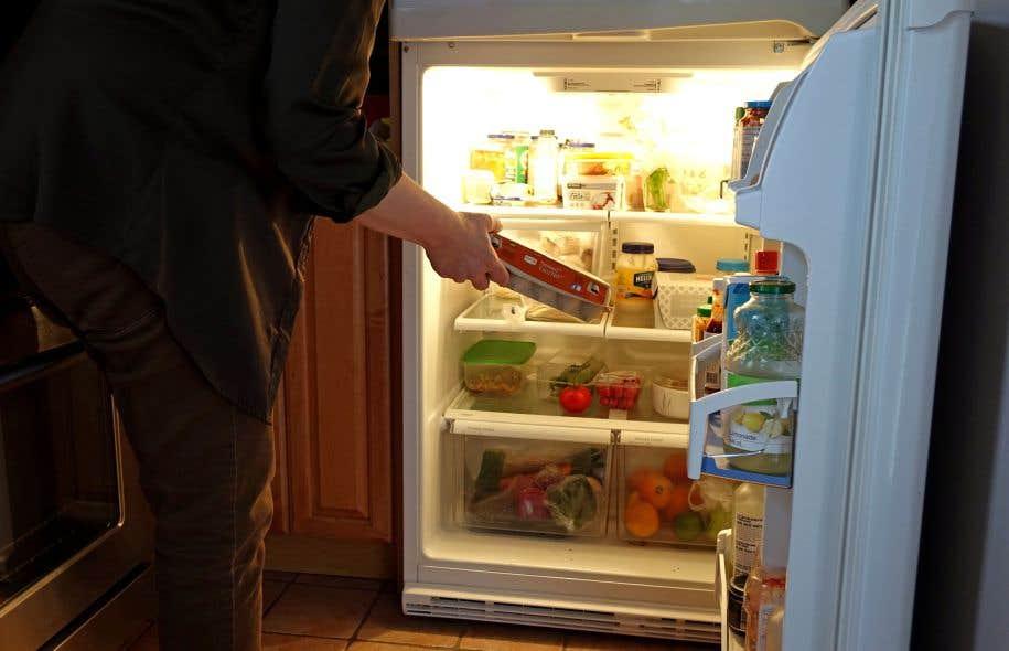 Au Québec, nous sommes encore loin de toutes les mesures des autres pays visant à éviter que des aliments se retrouvent dans les dépotoirs plutôt que dans notre frigo.
