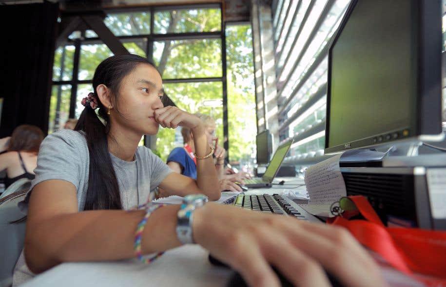 Une quinzaine de jeunes de 16 à 25 ans ont joué les reporters au Forum social mondial dans le cadre de l'École d'été de l'Institut du Nouveau Monde.