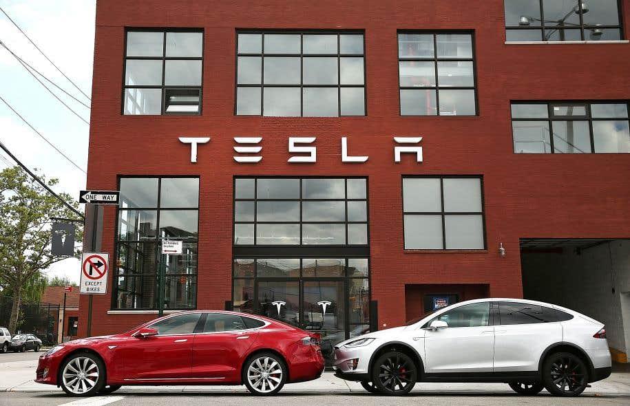 Qu'il s'agisse de Tesla, de Ford ou d'Uber, les entreprises rivalisent pour développer et éventuellement commercialiser la voiture autonome.