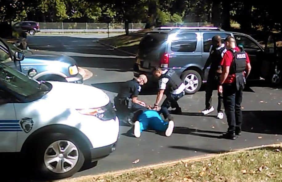 Tensions raciales et état d'urgence — Charlotte