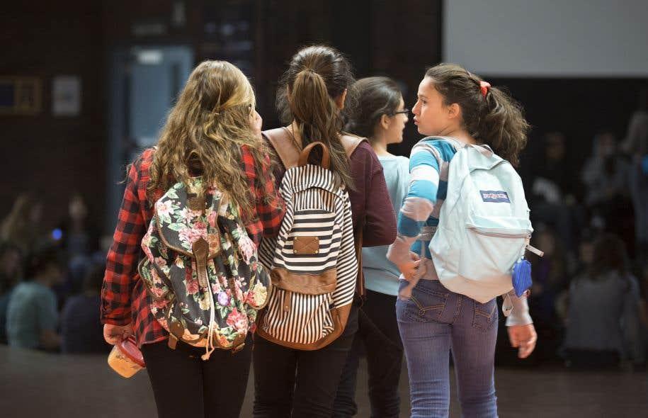 Entre1970 et2012, la proportion d'élèves du secondaire au privé est passée de 5,2% à 20,8% de la population.