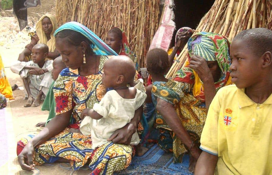 Des femmes et des enfants dans le camp de réfugiés de Aïssa-Hardé, au Cameroun