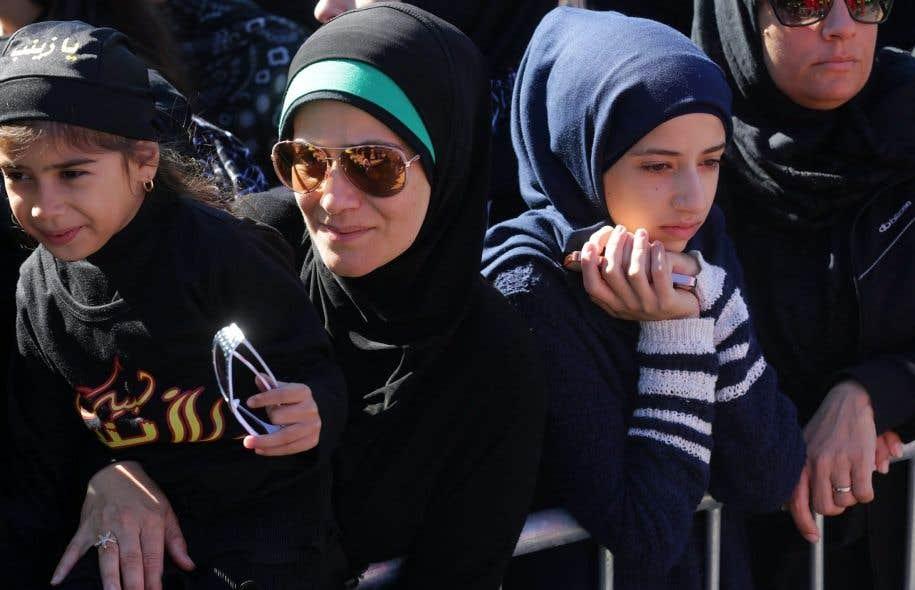 Des femmes musulmanes écoutent un discours prononcé lors d'une manifestation à Dearborn, au Michigan, le 9 octobre dernier.