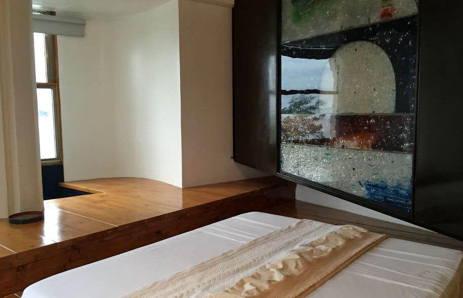 fiumara d arte un parcours d art contemporain en sicile le devoir. Black Bedroom Furniture Sets. Home Design Ideas