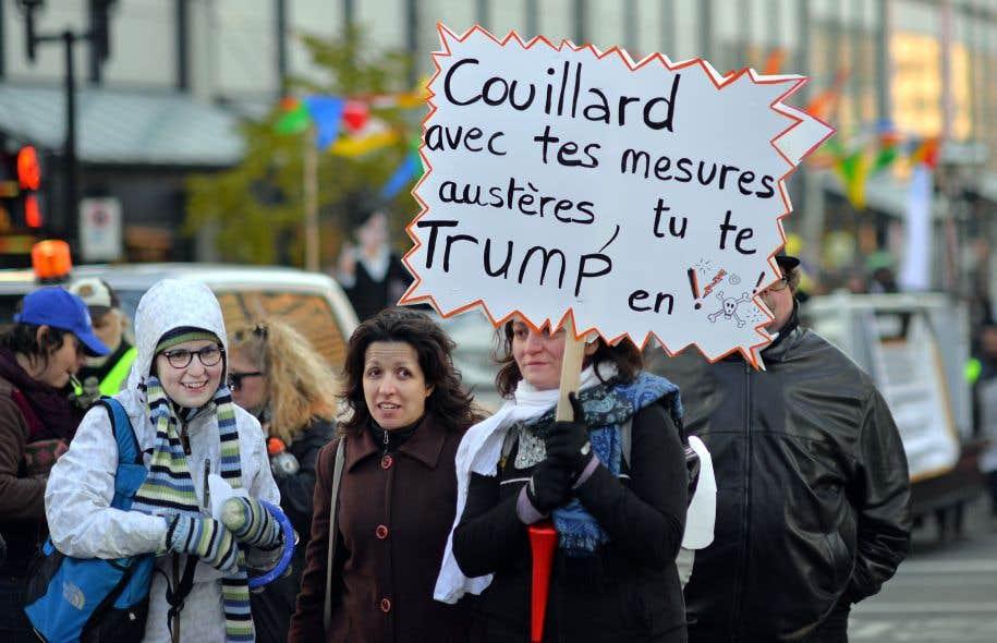 Des groupes communautaires ont manifesté mercredi à Montréal.