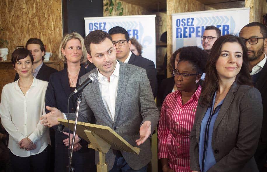 Paul St-Pierre Plamondon a présenté le projet entouré de ses «ambassadeurs» dimanche.