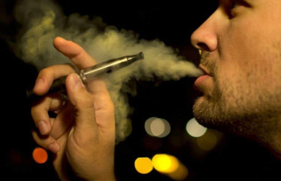 La fumée de cigarette électronique a le pouvoir d'endommager la barrière buccale et d'ainsi accroître le risque d'infection, d'inflammation et de maladies parodontales, selon de nouvelles recherches.
