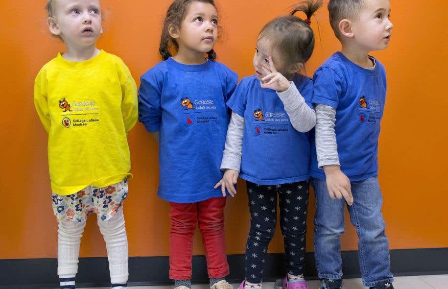 Les enfants sur les photos fréquentent la garderie LaSalle des petits du collège LaSalle, à Montréal.