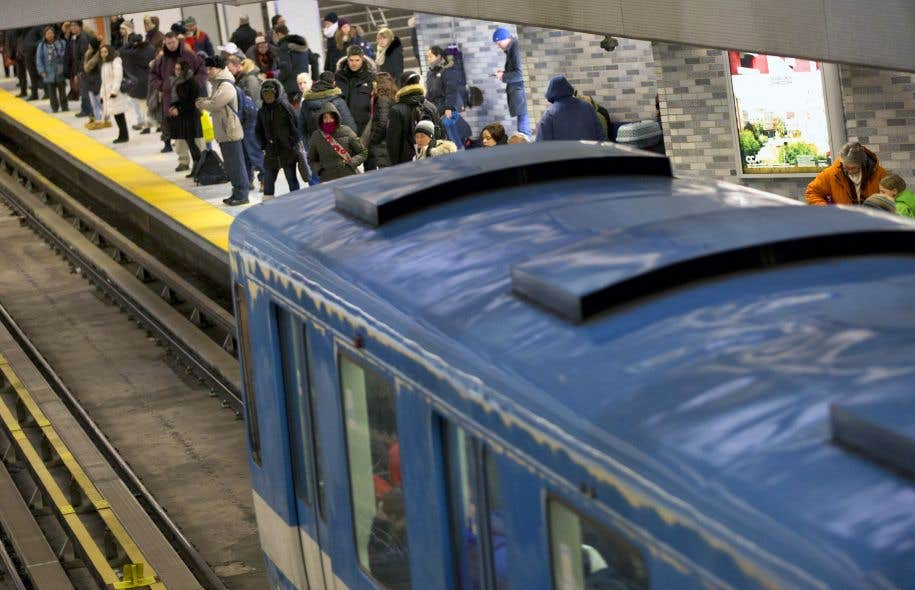 Des chercheurs ont visionné les images enregistrées par les caméras de surveillance du métro entre 2010 et 2013 avant et après des tentatives de suicide pour tenter de déterminer les signes précurseurs les plus fiables.