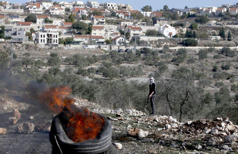 «La légitimité d'Israël passe par son propre respect de la légitimité des nations qui l'entourent et par le renoncement à l'occupation et la colonisation des territoires palestiniens», écrit Jean-Marie Bioteau.