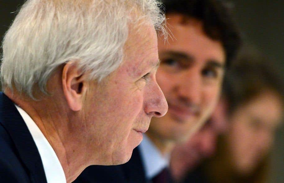 L'actuel ministre des Affaires étrangères, Stéphane Dion, perdrait son poste, ce qui lui ouvrirait toutefois les portes de l'ambassade du Canada à Paris.
