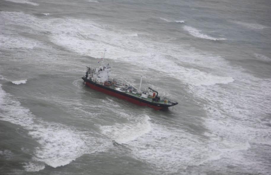 Le pétrolier, qui se dirigeait vers le Mexique lorsqu'il s'est échoué, ne transportait pas de pétrole à part le carburant pour ses moteurs.