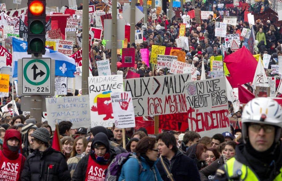 La grève étudiante a fait en sorte que nous militons encore aujourd'hui pour transformer la société dans laquelle nous vivons, remarquent les auteurs du texte.