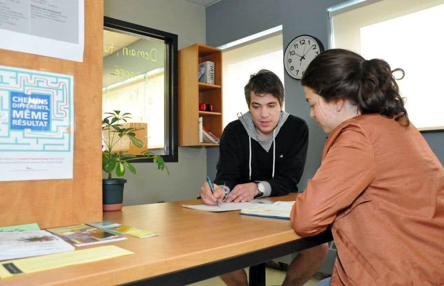 «Le rôle des services adaptés est de trouver le ou les bons accommodements qui vont permettre à l'étudiant d'atteindre la compétence exigée», affirme Hélène Savard, coordonnatrice du Centre collégial de soutien à l'intégration.