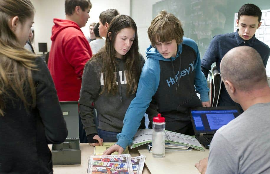 «Chez les jeunes en difficulté, le taux réel de diplomation est de 28% alors qu'au Massachusetts, il est de 69% et aux États-Unis, globalement, il est de 60%. C'est un véritable scandale quand on pense qu'on dépense 2,3milliards chaque année pour les élèves en difficulté. On tourne en rond», déplore Égide Royer, professeur associé au Département d'études sur l'enseignement et l'apprentissage à l'Université Laval.
