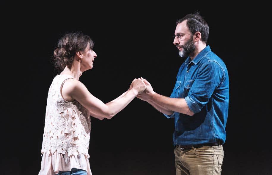 Valérie Laroche et Christian Michaud, seuls en scène, livrent la fort juste traduction de David Laurin avec tout le naturel que celle-ci permet.