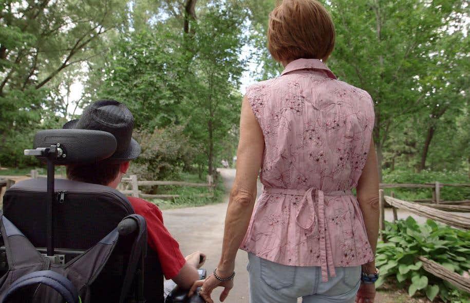Le film suit ces escortes qui aident les personnes handicapées à se «reconnecter» avec leurs corps.