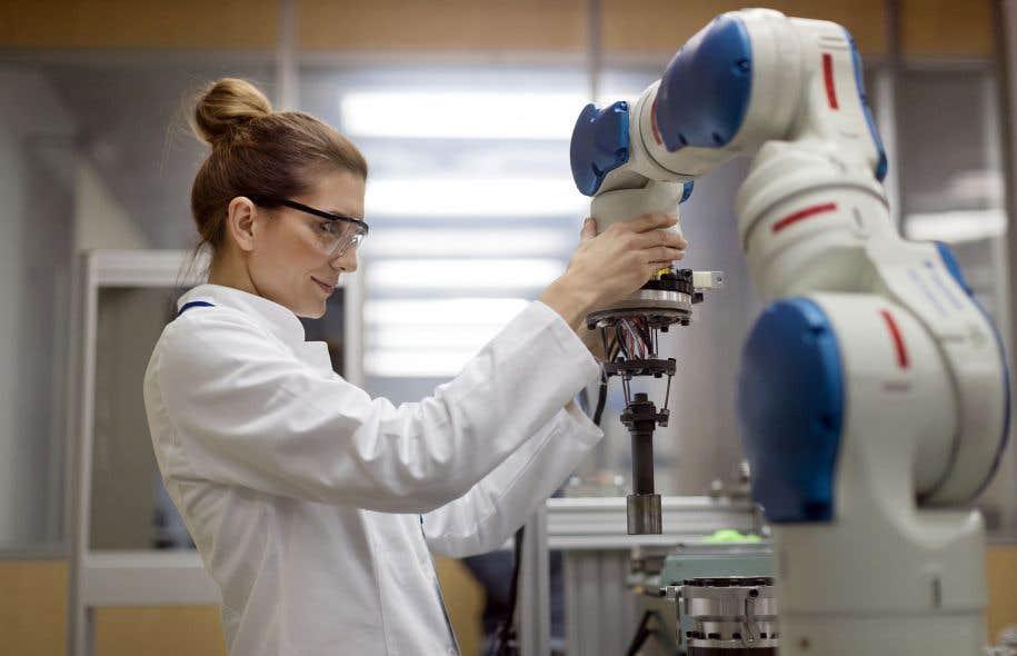 La professeure au Département de génie mécanique de l'Université de Sherbrooke Eve Langelier signale que le silence des femmes scientifiques les rend moins visibles pour les jeunes.