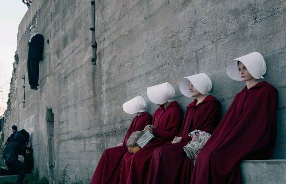 Dans «The Handmaid's Tale», publié en 1985, alors que les fondamentalistes chrétiens règnent, les femmes n'ont pratiquement aucun droit et la lecture leur est interdite.
