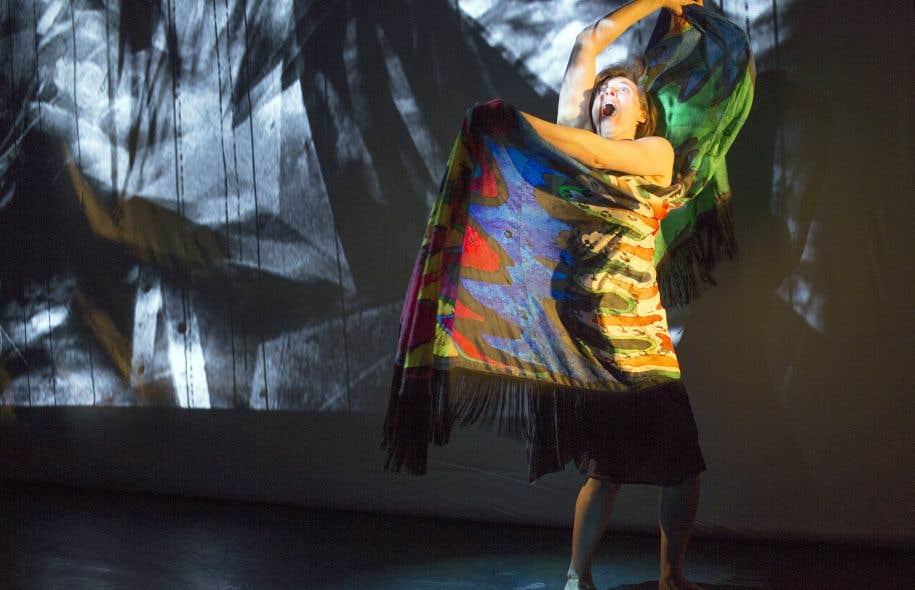 Stéphanie Lessard (lors d'une répétition sur notre photo) l'admet : «Yo soy la desintegración» est une œuvre difficile à chanter. «Mais il y a des moments où j'ai énormément de plaisir. C'est très vocal.»