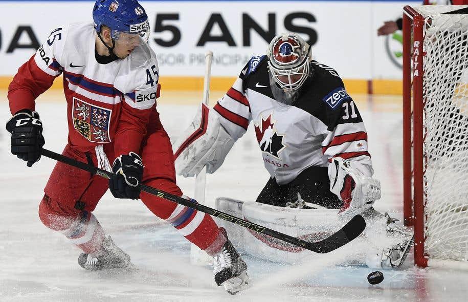 <em>«</em><em>C'était un de ces matchs où la rondelle roulait pour nous »</em>, a dit l'entraîneur canadien Jon Cooper.