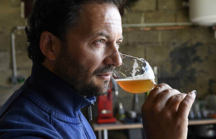 Ludovic Belin est le premier de la région à brasser lui-même, parallèlement à son métier de viticulteur.