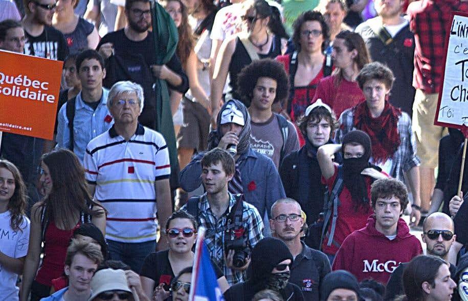 Ce dont la population du Québec a besoin, c'est d'un parti qui rassemble ceux et celles qui luttent isolément, les groupes qui perdent leurs espoirs parce qu'ils luttent en ordre dispersé, les communautés qui se sentent exclues, estime l'auteur.