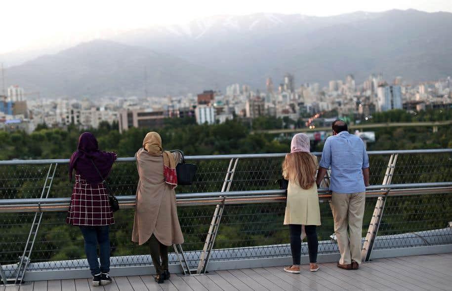 Vendredi, les Iraniens sont appelés aux urnes. Cette élection présidentielle sera déterminante pour l'avenir du président modéré Rohani et sa politique d'ouverture au monde.