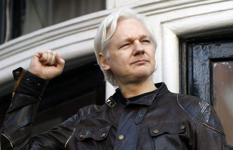 «Ce jour est une victoire importante pour moi et pour le système des droits de l'homme de l'ONU», a lancé, poing serré, Julian Assange depuis le balcon de l'ambassade d'Équateur à Londres.