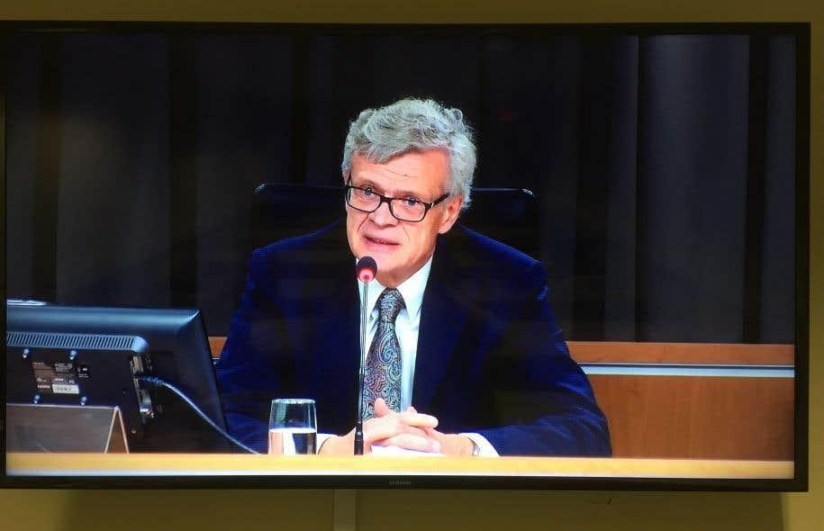 Le juge Jacques Chamberland préside la commission d'enquête sur les sources journalistiques.