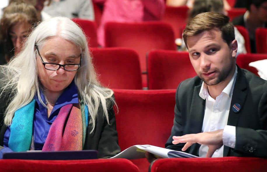 Les porte-parole de Québec solidaire, Manon Massé et Gabriel Nadeau-Dubois. Le programme officiel de QS prévoit la création d'une Assemblée constituante élue au suffrage universel sans mandat préétabli quant à l'avenir national du Québec.