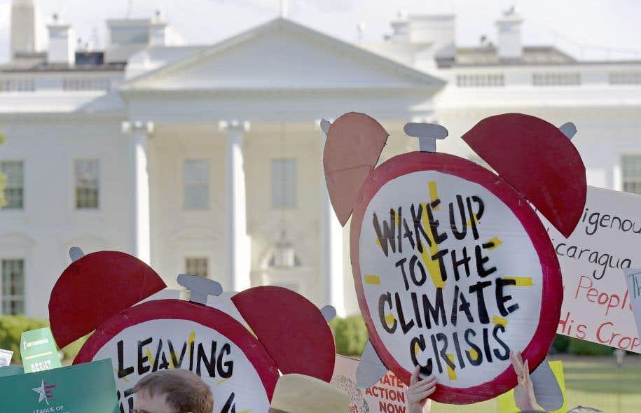 Manifestation contre la décision de Donald Trump de retirer les États-Unis de l'Accord de Paris