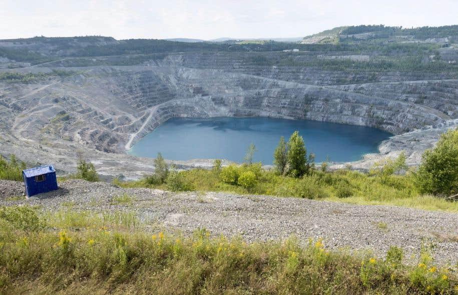 La mine Jeffrey, à Asbestos, a été fermée en 2012.