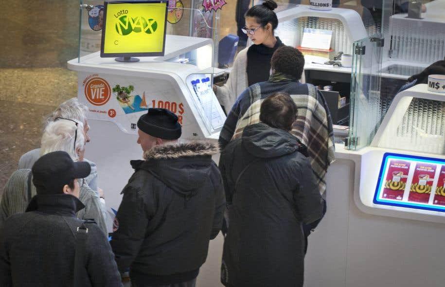Au quatrième trimestre, le bénéfice net de Loto-Québec a atteint 297,4millions, en hausse de 5,8% par rapport à celui de 281,2millions de la même période un an plus tôt.