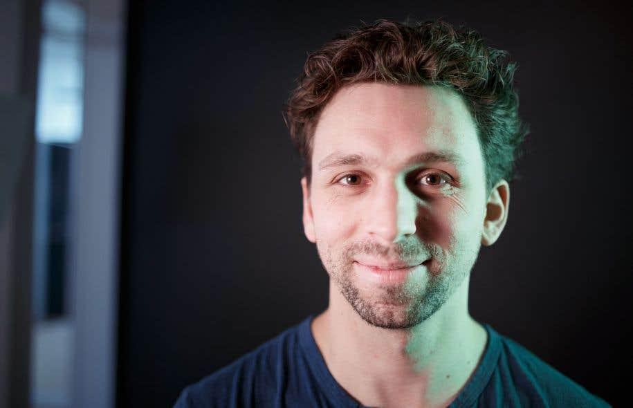 Pharmacien remplaçant, Julien Perrault a troqué les piluliers pour le jeu vidéo l'an dernier, tirant plus de 80000$ de revenus de sa passion.