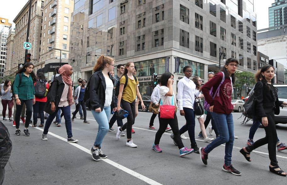 Rue Sainte-Catherine Ouest à Montréal. Maintenant que les «milléniaux» se foutent des bagnoles et que les baby-boomers délaissent les banlieues, seules les villes amicales à l'égard des marcheurs parviendront à attirer les cerveaux créatifs que se disputent les métropoles.