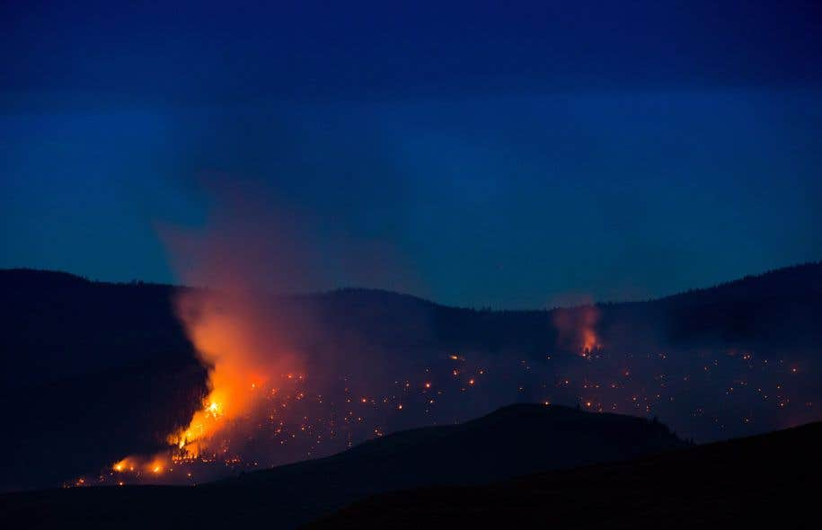 Il y avait plus de 180 incendies de forêt qui brûlaient à travers la province, jeudi après-midi.