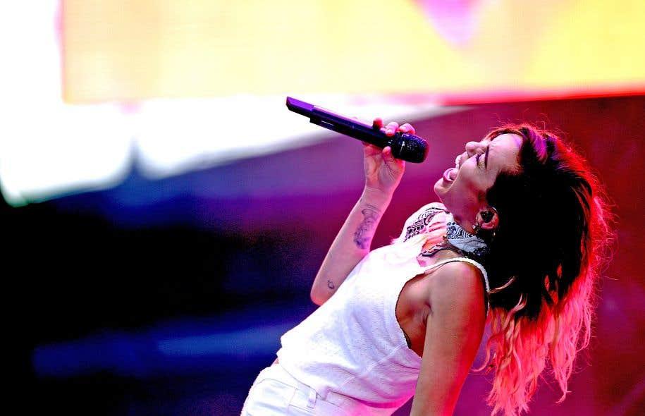 Miley Cyrus lors d'une performance en Californie