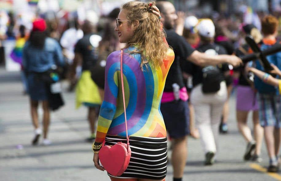 La parade Pride de Toronto, le 25juin dernier. «C'est difficile de ne pas genrer les choses», dit la militante Gabrielle Bouchard, qui croit tout de même que notre vocabulaire pourrait changer.