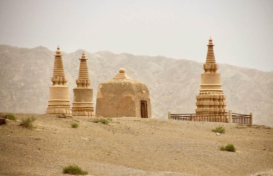 Stupas et ravissement aux grottes de Mogao