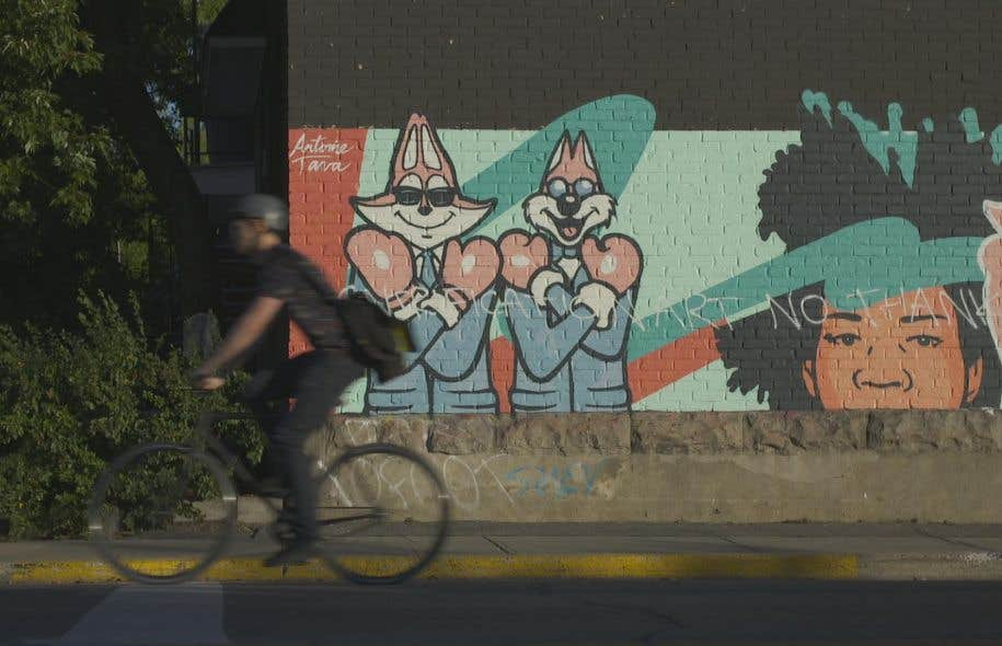 La résistance à la gentrification se fait remarquer sur bien des murales de la métropole.