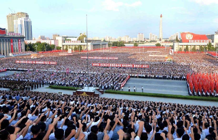 La Corée du Nord a annoncé qu'elle projetait de lancer des missiles à proximité de l'île de Guam, une île américaine du Pacifique.