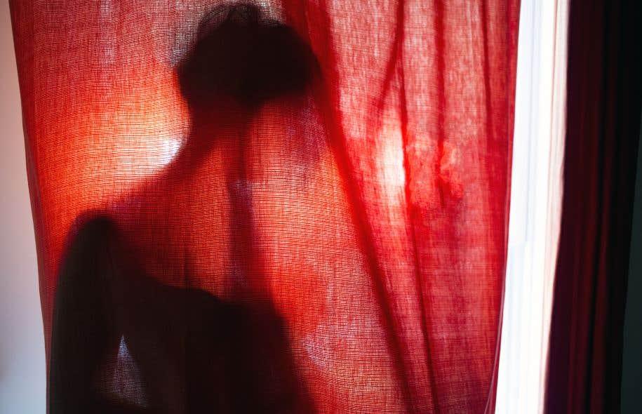 Les personnes qui ne divulguent pas leur séropositivité alors qu'il y a possibilité qu'elles transmettent le VIH à leur partenaire peuvent faire l'objet d'accusations criminelles au Canada.