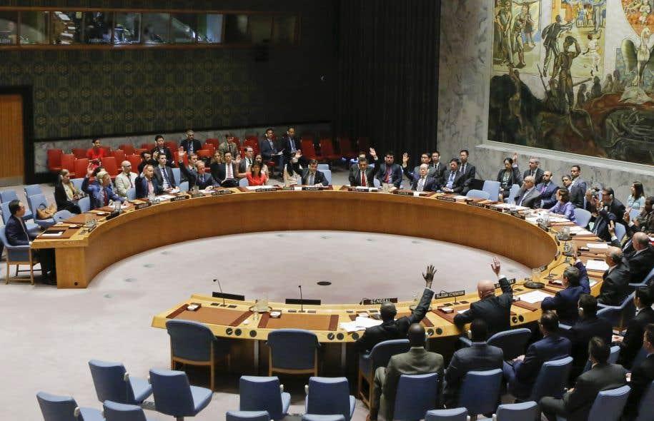 La Chine a décidé d'appliquer une résolution adoptée le 5août par le Conseil de sécurité de l'ONU prévoyant un embargo sur des exportations nord-coréennes.