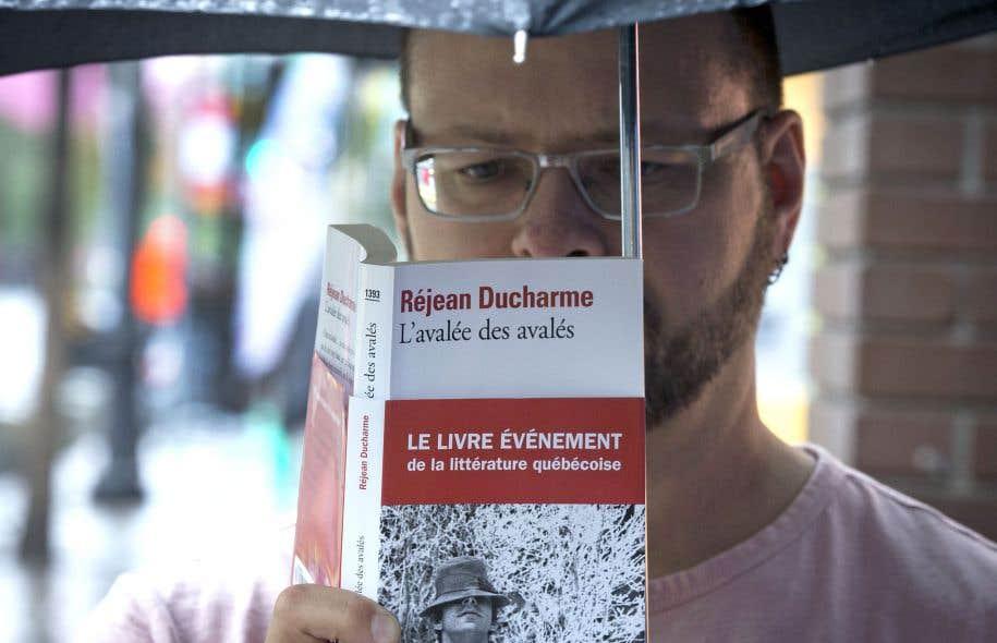 Plusieurs lecteurs ont rencontré l'œuvre ducharmienne alors qu'ils étaient encore adolescents, ou jeunes adultes.