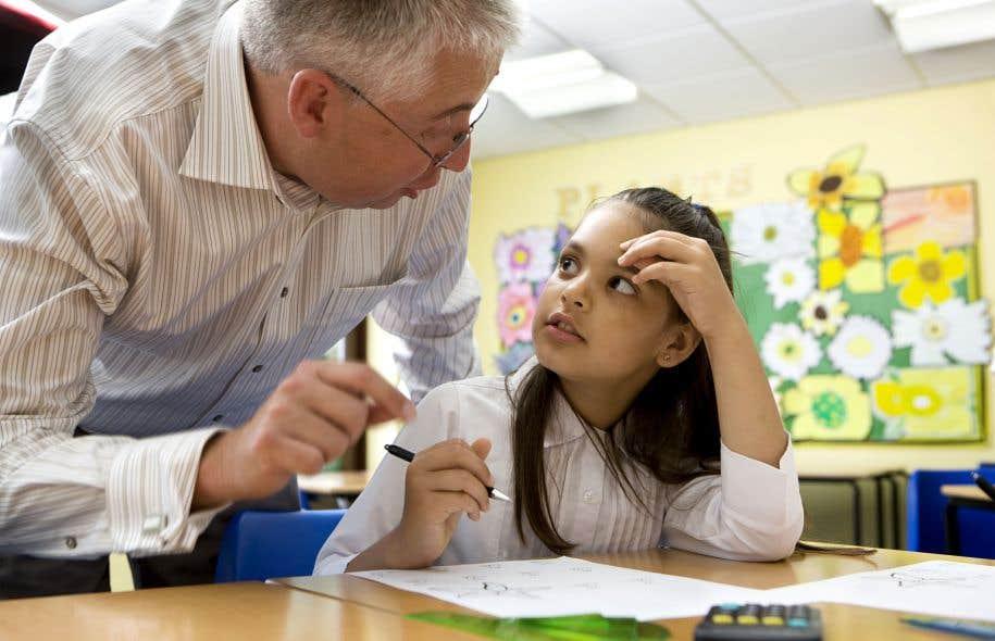 L'école publique essaie par tous les moyens de relever les défis que pose l'analphabétisation.