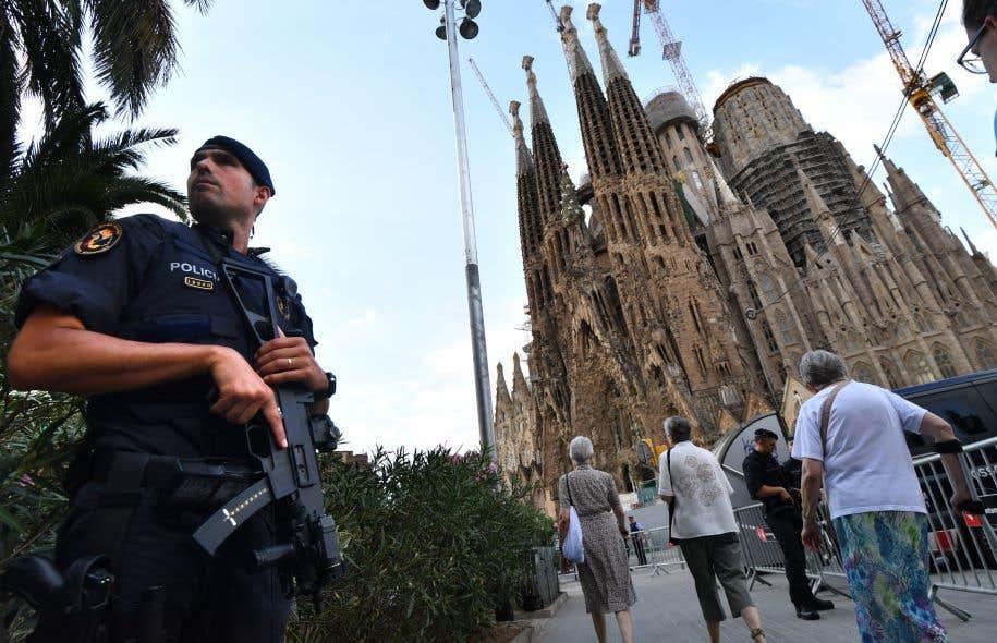 La célèbre cathédrale Sagrada Familia, au coeur de Barcelone