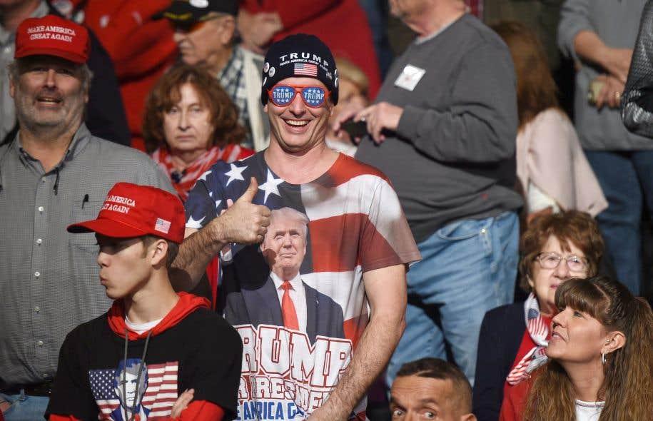 Photo prise lors d'une assemblée politique pendant la dernière campagne présidentielle américaine qui a conduit Donald Trump à la Maison-Blanche.